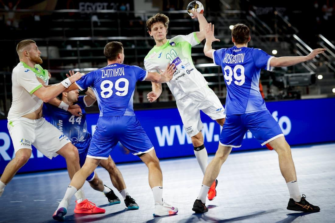 Slovenien ställs mot Sverige i handbolls-VM.